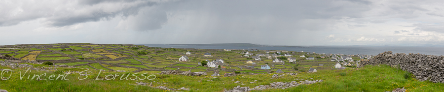 A panoramic shot of the island of Inisheer.